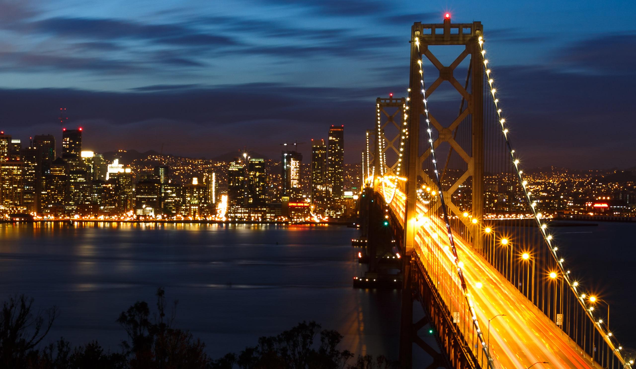 San Fransisco Golden Gate Bridge at night
